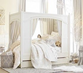 Blythe Carriage Bed #Pottery Barn Kids