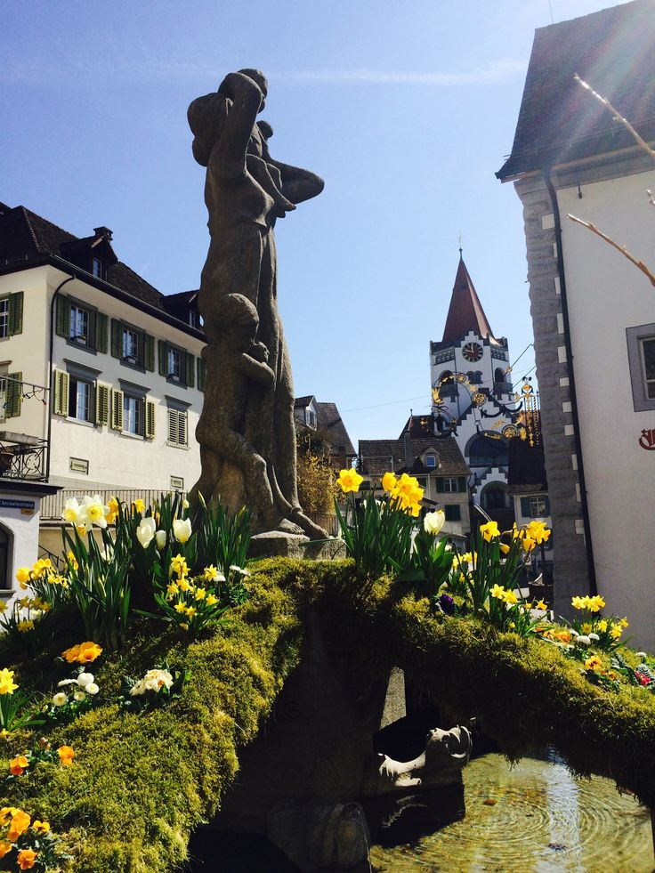 Decorated fountain with flowers in Weinfelden, Canton Thurgau, photo from 04/09/2015
