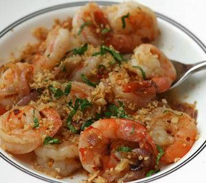 Shrimps in red wine.Delicious shellfish recipe.Serve this shrimp recipe with cooked brown rice,grilled zucchini halves.