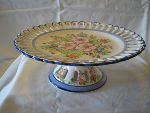 PEDESTAL CAKE PLATE PIERCED PETAL EDGES PORTUGAL CERAMIC VINTAGE | eBay & 53 best Pedestal Cake Stands images on Pinterest | Cake plates Cake ...
