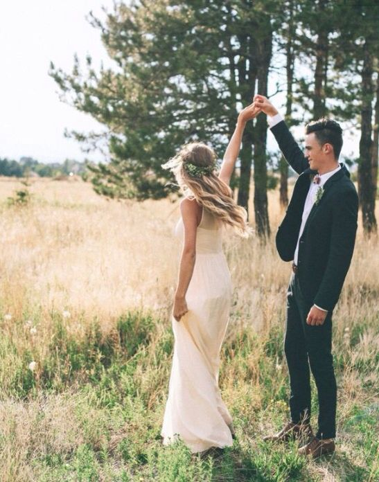 spin me around | bride + groom in a field, bridal / wedding photography