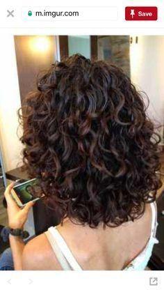 20 schöne lockige Frisuren für mittelstarkes Haar, Kurzes B lockiges … – Perfektes Haar