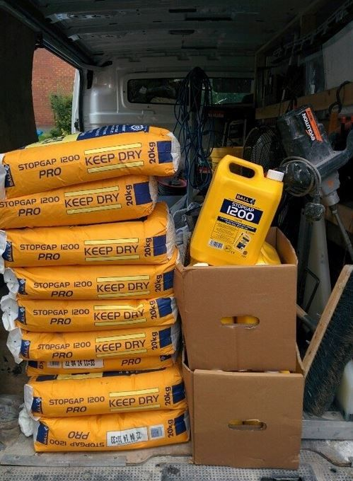 @FBallUK @ASKFBall  Another 9 bags of my favourite screed Stopgap 1200 pro going down today.
