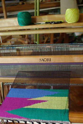 Clasped Weft Weaving for Great Designs | c u r i o u s w e a v e r