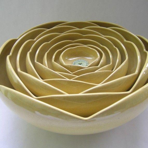love love love beautiful ceramics. handmade nesting bowls with the perfect blend of retro and contemporary.: Rose Flowers, Ceramic Bowls, Nesting Bowls, Nesting Ranunculus, Ranunculus Rose, Ranunculus Bowls, Flower Bowls