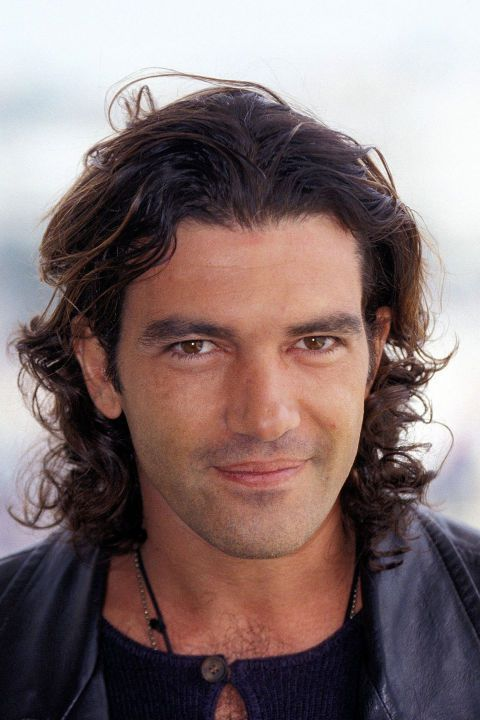 Men's Wavy Hairstyle