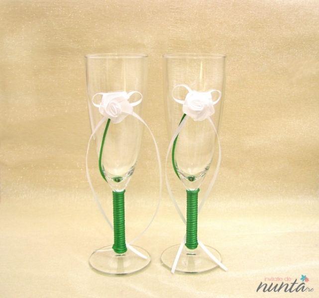 Set pahare miri cu picior verde si trandafir