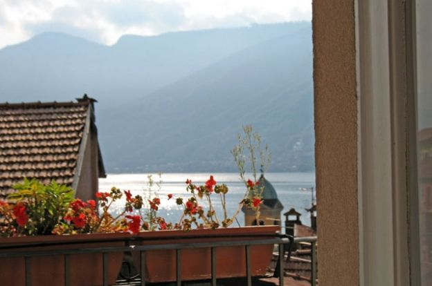 Colonno, typical hamlet house in the Lake Como area | ITALY Magazine