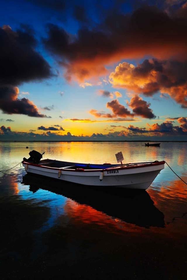 Colored Sky Lindo Por Do Sol Passeios De Barco E Fotografia