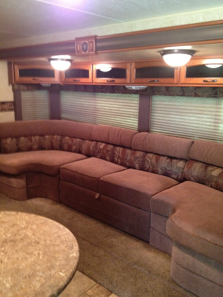 Maybe Next Coach Love The Vista Seating With A Fold Out Queen Sofa Bed In Our Rv Rv Ideas