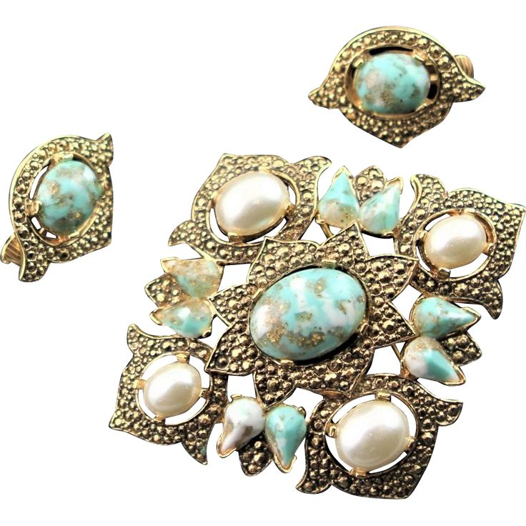 Vintage Sarah Coventry Turquoise & Gold Colored Brooch & Earrings