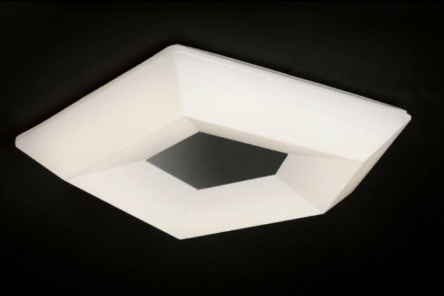 ref 3767 COLLECTION CITY APPLIQUE/PLAFONNIER LED Ø 40 Cm. Injection plastique blanc 10 W 3000 k 1000 LM. Dimmenssions 40/8.2 cm au prix de 162.00 €.