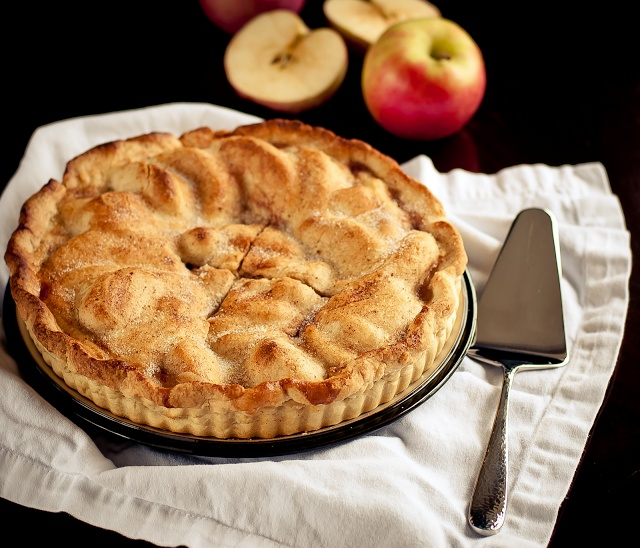 Lulu's Sweet Secrets: Apple Pie