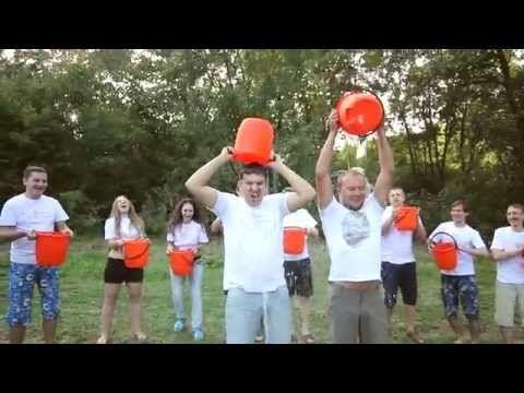 Как Ярмарка Мастеров в Ice Bucket Challenge участвовала   Команда Ярмарки Мастеров приняла задорную эстафету и поучаствовала в массовой акции Ice Bucket Challenge*, к которой уже присоединились тысячи людей со всего мира, включая знаменитостей.  С удовольствием закаляем бодрость тела и духа и передаем эстафету дальше! :) #icebucketchallenge #ALSicebucketchallenge