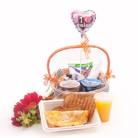 Desayuno Sorpresa Ommelett, un bello y delicioso regalo! #desayunossorpresa #regalossorpresa http://desayunossorpresa.co/home/18-desayuno-sorpresa-omelet-medellin.html