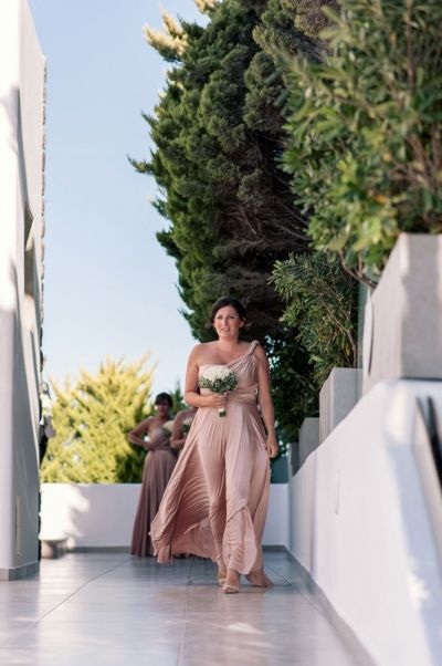Breathtaking Wedding @ Le Ciel, Santorini  Wedding Photography: Phosart Photography & Cinematography See more:http://photographergreece.com/en/photography/wedding-stories/898-breathtaking-wedding-at-le-ciel,-santorini