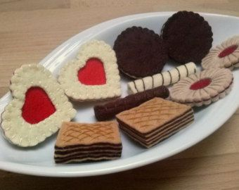 Felt play food, Pretend play food toy, Fake food set, cookies biscuits tea party for two - set including heart jam oreo cookies wafers