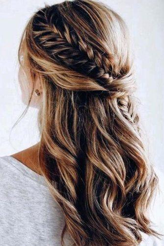 Idées de coiffures de mariage de moitié en haut de moitié en bas ★ Voir plu…
