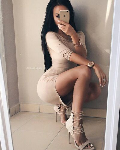 All about sexy outfits (usually dresses but sometimes other stuff) curated from the internet.