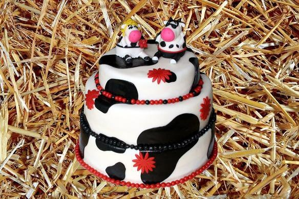 A wedding cake(!) cow theme. Made by AMBD