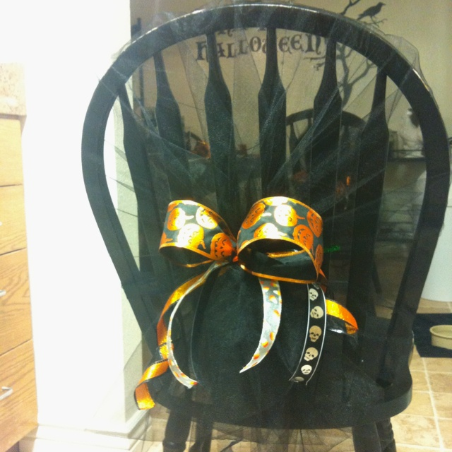 Super Easy DIY Halloween Chair Covers! Just Tulle, Ribbon And A Pipe  Cleaner To