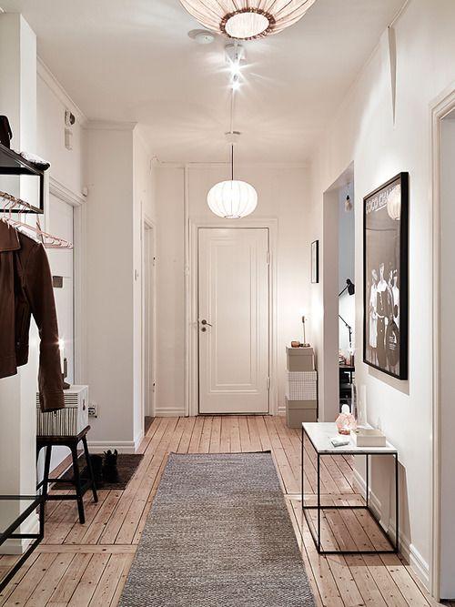 Ingresso adattabile anche ad una casa anni 60' - 70' con un tocco di modernità