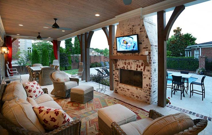 Castle Homes Nashville - Beautiful Outdoor Living Space
