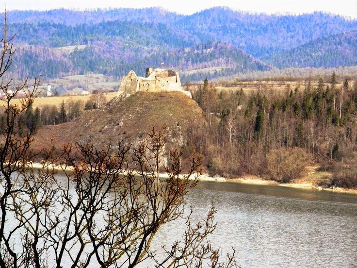 Zatrzymać świat: Gotycki zamek rycerski Dunajec - Niedzica (woj. małopolskie, pow. nowotarski, gm. Łapsze Niżne)