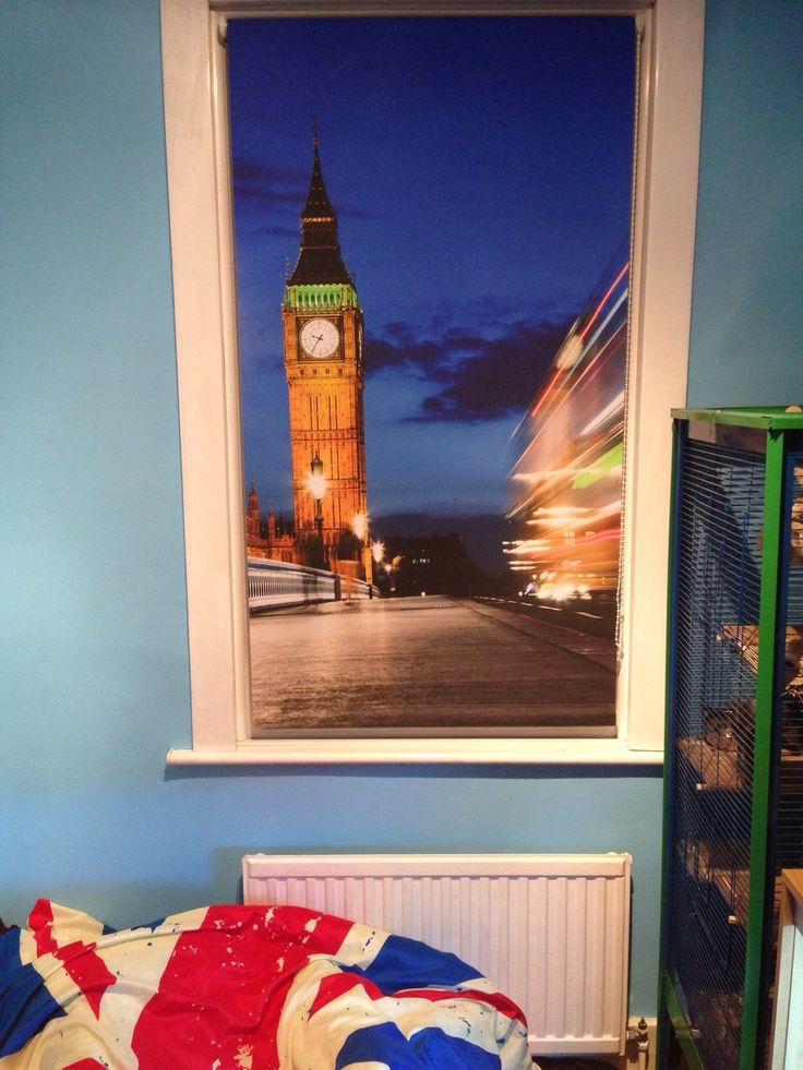 RB259 Big Ben roller blind in situ http://www.artfeverblinds.co.uk/shop/4584760444/rb259---printed-roller-blind-of-the-houses-of-parliament-at-night./8931333