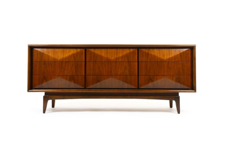 United Furniture Diamond Front Sideboard / Drawers