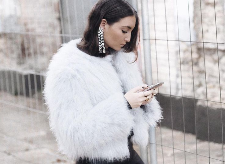 """923 Likes, 41 Comments - Sarah Sachtleben (@mrs.seytschlife) on Instagram: """"he caught me on the phone  _______________________________________________  #me #metoday #wiw #wiwt…"""""""