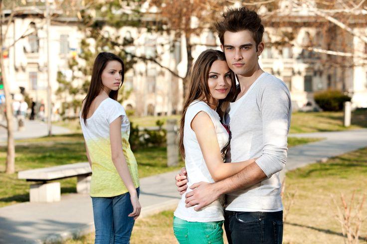 Mi #ex novio se beso con mi mejor #amiga... ¿Debo perdonarlos?