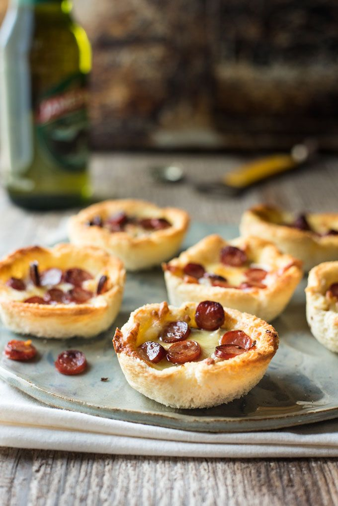 Garlic Bread Mini Pizza - made from plain sandwich bread brushed with garlic butter, these mini pizzas taste like a cross between garlic bread and pizza!
