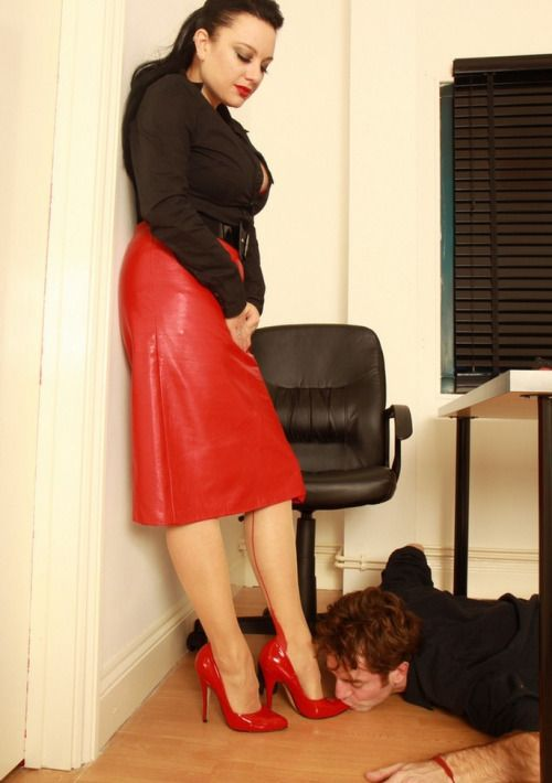 Foot Worship Under Table : ... do and I need you under my desk.start polish my shoes with your tongue