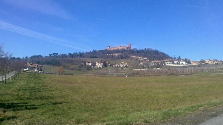 Montalto Pavese, Castello. Oltrepò pavese.