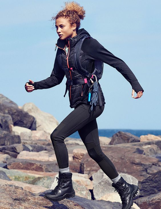 63296f91d0c curly-hair Girls Outfits with Hiking Boots-26 Ways to Wear Hiking Boots