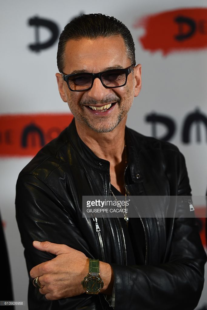 Singer of rock band Depeche Mode Dave Gahan poses during a press conference to promote their new album 'Spirit' on October 11, 2016 in Milan. / AFP / GIUSEPPE