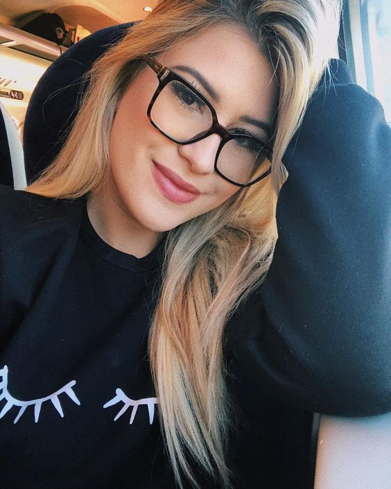 a808c99aa Niina Secrets | Óculos de grau feminino para mulheres de todos os estilos.  Armações de
