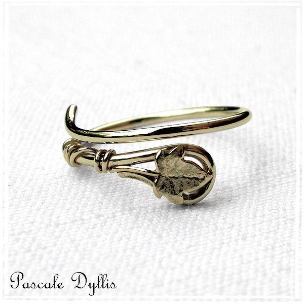 Bague feuille de lierre or jaune massif 750 - Bague anneau fiançailles mariage elfique .... : Bague par pascale-dyllis