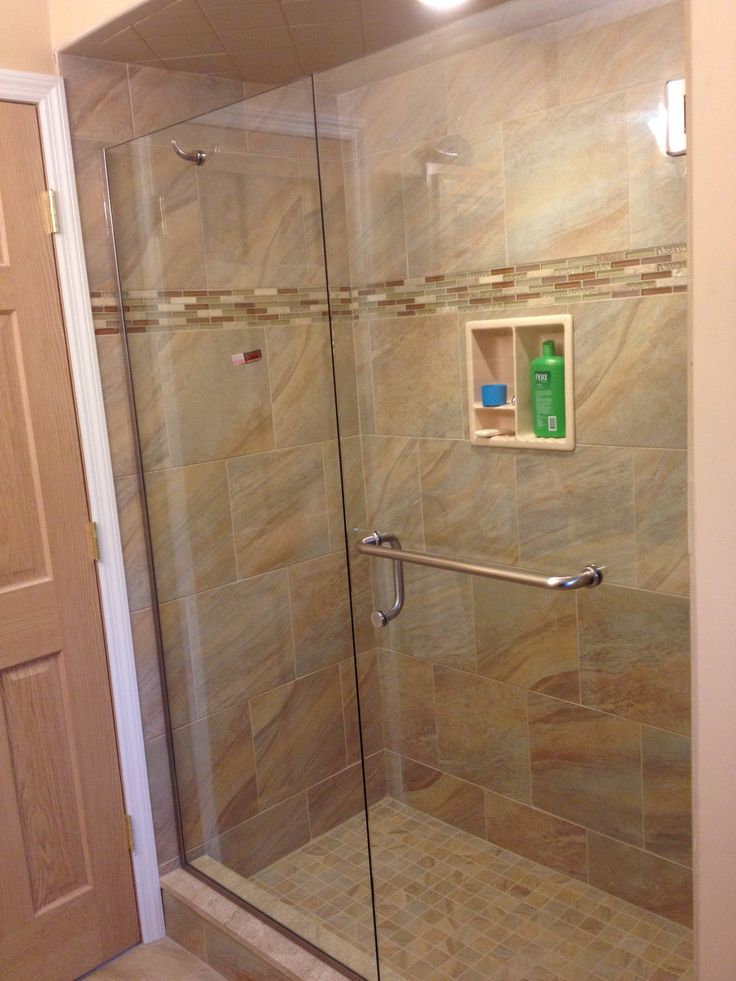 3 8 Frameless Door And Panel With Towel Bar Robe Hook