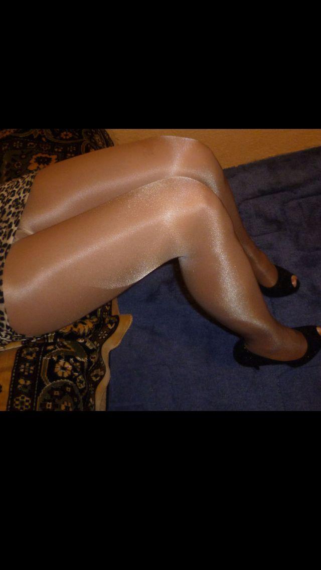 Slavegirl inspection bondage pics