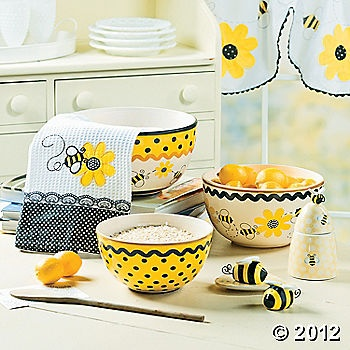 bees & sunflowers for my kitchen theme!