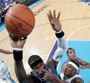 Porky plays basketball