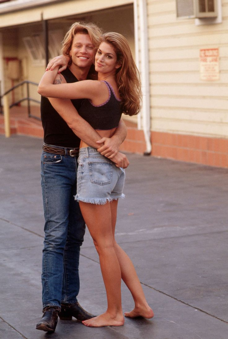 September 17, 1994  Where: With Jon Bon Jovi during a video shoot in Los Angeles, California.    Photo:  Neal Preston/CORBIS