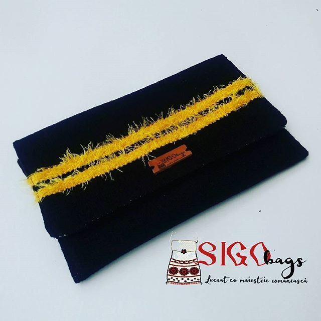 Are #you #ready for the #party #instaparty ? Take your #elegant #handwoven #purse #envelopebag and #go #handmade #Sigobags #madeinro #designer #romaniandesigner #bagoftheday #black #bag #yellow