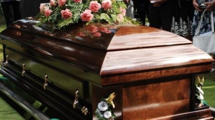 Na, ilyen nekrológot sem olvastunk még. Tapasztalataink szerint aki elolvassa, utána rögtön meg is osztja! Nem véletlenül...   Lori Borgman...
