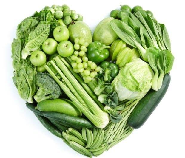 """Quer viver mais tempo? Coma estes alimentos! A """"poção mágica"""" para a longevidade é comer bem e saudável. #Hábitos_Alimentares_para_Viver_Mais_Tempo #receitas #alimentos #vegetais #chá #verde #cereais #ómega3 #água"""