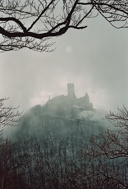 Czech Republic - Hrad Bezděz (Bezděz Castle) in the mist - by Zdeněk Halř  #castle