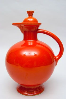 Vintage Fiesta Carafe in Original Red: Only produced into the '40s. Difficult to find with cork in red and turquoise. Most difficult to find in turquoise.