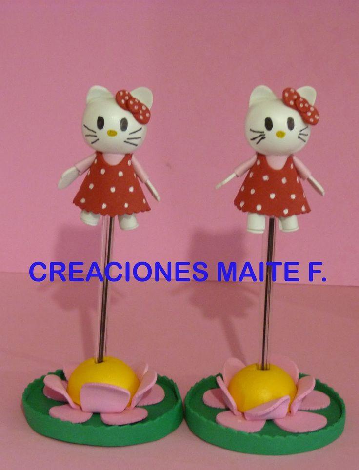 MINI FOFUCHA   Fofucha Hello Kitty para lápiz o boli, con base de flor con vestido y lazo rojo con lunares.  Un bonito detalle de recuerdo ...